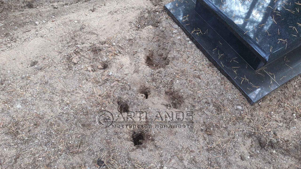 Прокалывание грунта - важный этап, что бы правильно обустроить могилу