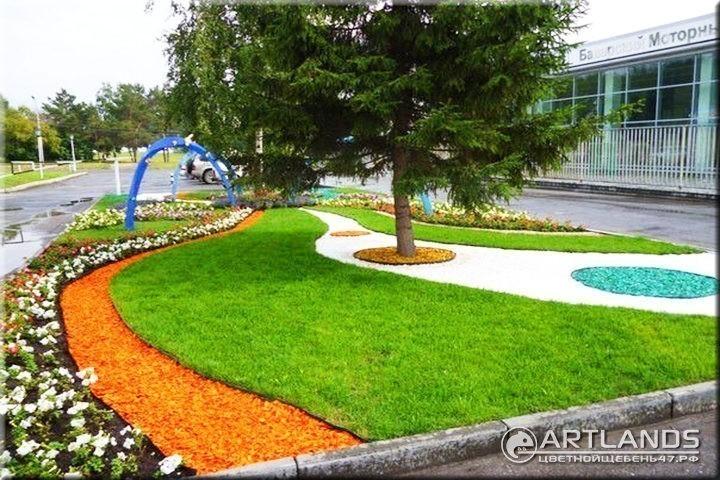 Декоративный цветной щебень для ландшафтного дизайна от мастерской ландшафта Art Lands купить и щебень вокруг деревьев