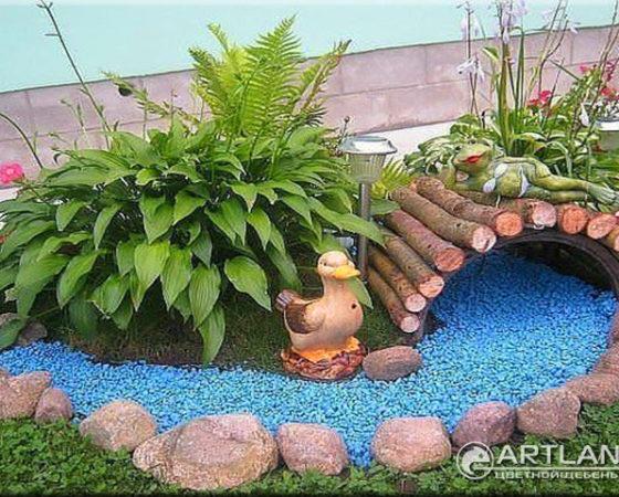 цветной декоративный щебень, как украсить клумбу, мульча, идеи для сада, цветник, садовый декор, идеи для дачи, дизайн клумб124