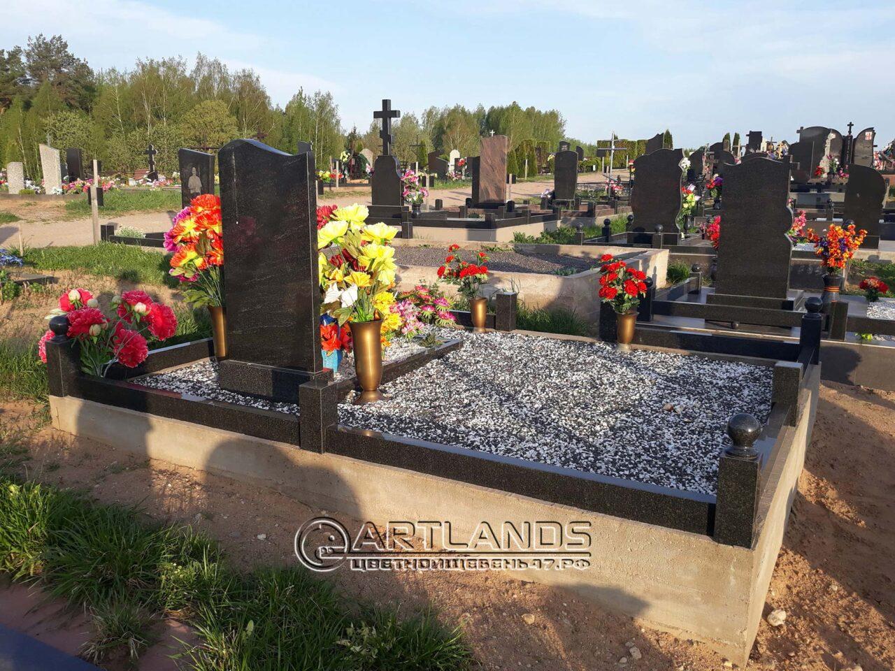 благоустройство могил фото, обустройство могил фото, где купить щебень для кладбища, цветной декоративный щебень для могил купить, гал 51