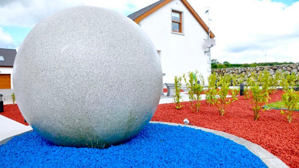 цветной декоративный щебень купить в спб, как украсить клумбу, идеи для сада и огорода своими руками фото, декоративная крошка, в 233
