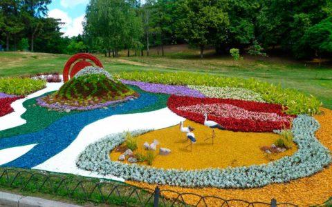 цветной декоративный щебень купить в спб, как украсить клумбу, идеи для сада и огорода своими руками фото, каменный ковер спб 342