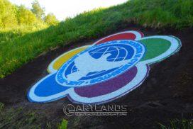 цветной декоративный щебень купить в спб, каменный ковер спб, фестиваль молодежи эмблема 14