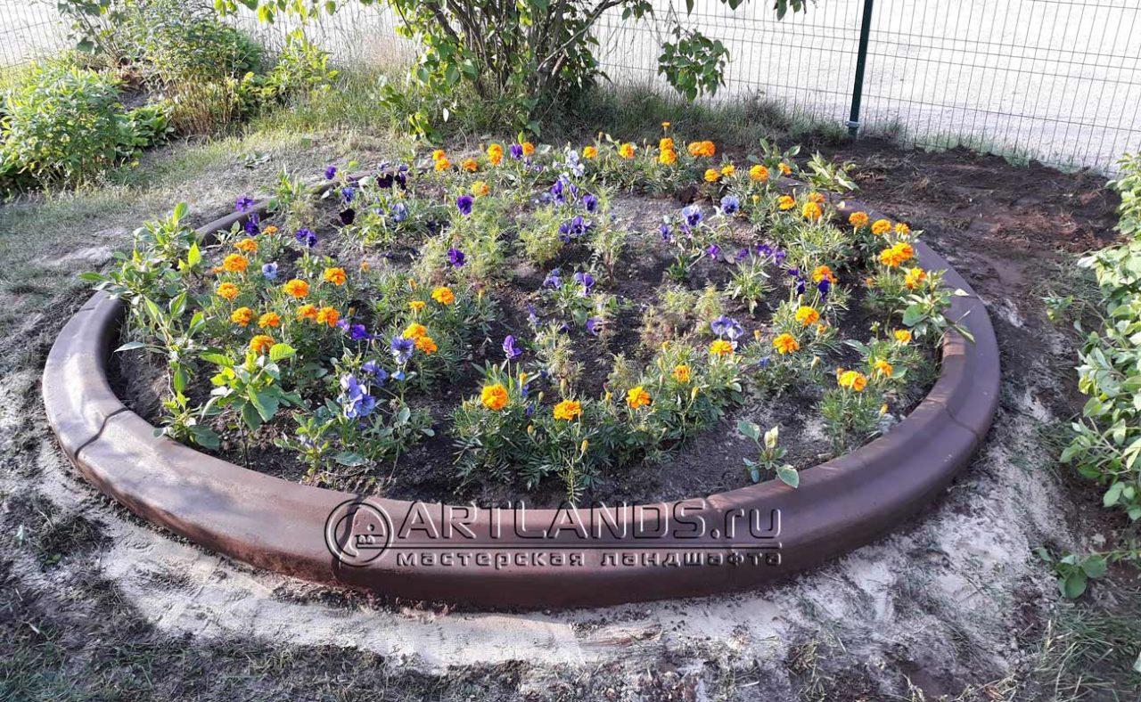 садовый бордюр в ландшафтном дизайне, ландшафтный бетонный бордюр, ограждения для клумб 35