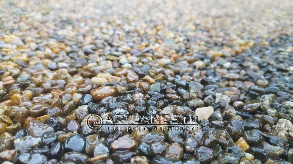 каменный ковёр из кавказской серой гальки 4