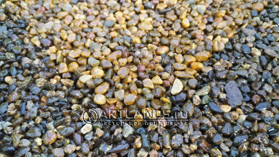 каменный ковёр из кавказской жёлтой и серой гальки2