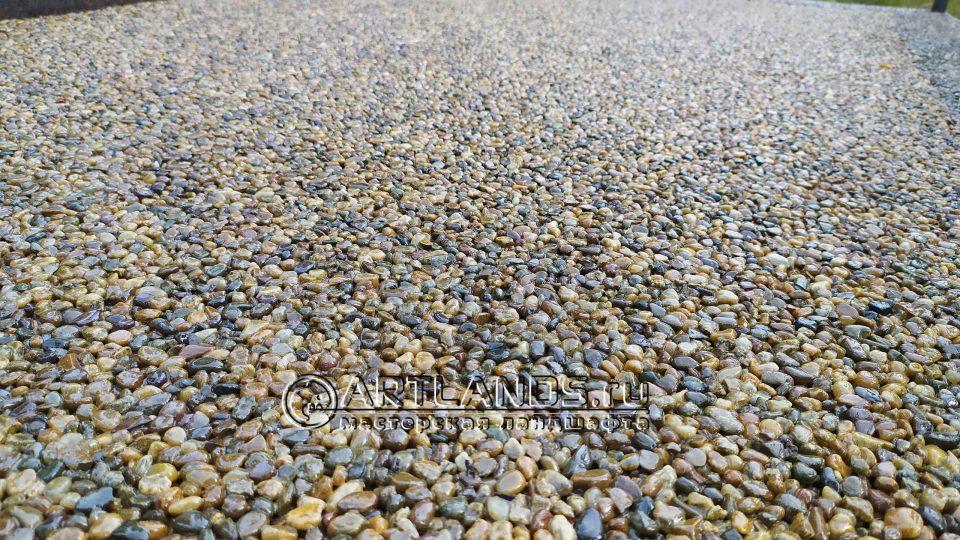 каменный ковёр своими руками из жёлтой кавказской гальки 7
