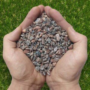 Чистая и сухая розовая гранитная крошка фр 5-10мм для каменного ковра (гранитный щебень в мешках)