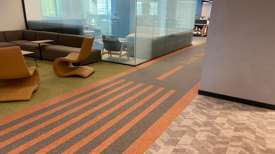 Каменный ковёр Art Gravel в офисных помещениях