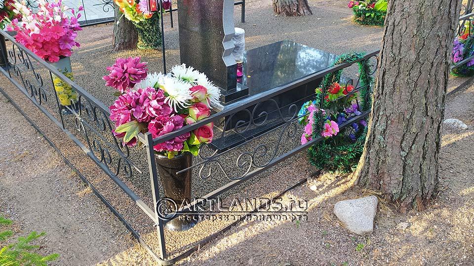 Обустройство захоронений своими руками покрытием каменный ковёр Art Gravel 20