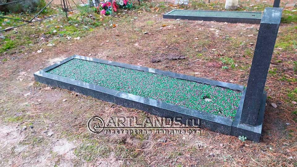оформление цветника на могиле покрытием art gravel 1